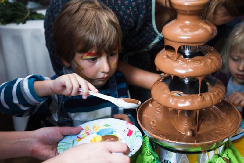 шоколадный фонтан 3